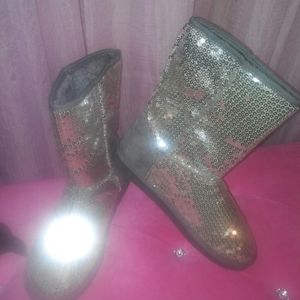Nearly New Silver Sparkle Boots
